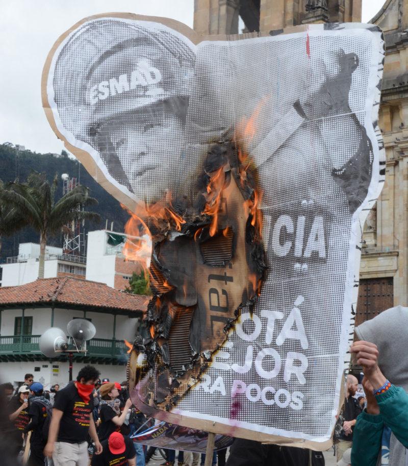 Peñalosa criticado por su accionar con el ESMAD