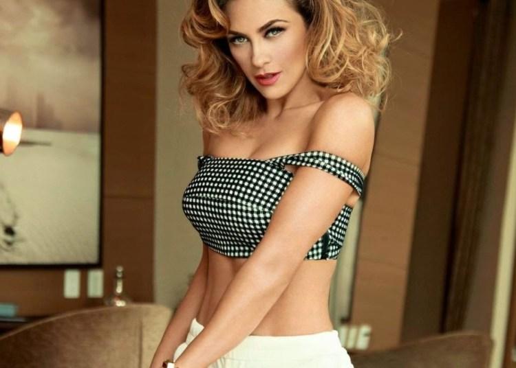 711e40103fe1 Con este sexy bikini, Aracely Arámbula presume sus curvas - Diario ...