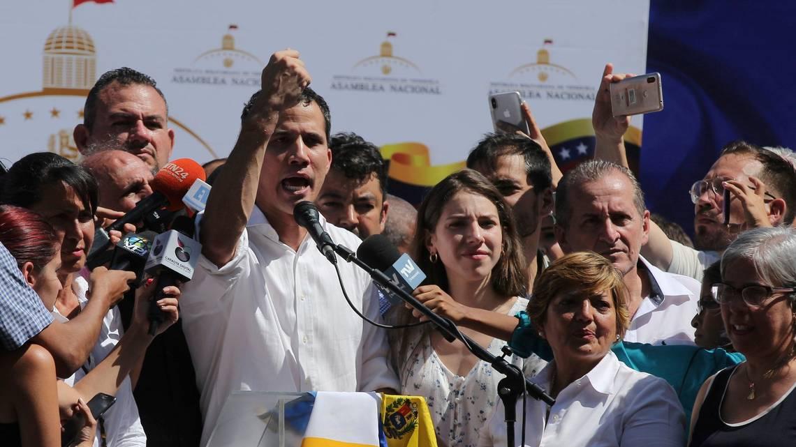 Grupo de la Guardia Nacional se levanta contra Nicolás Maduro