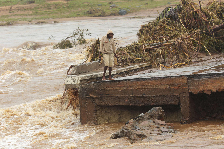 Continúa búsqueda de sobrevivientes tras ciclón Idai en África; confirman 600 muertos