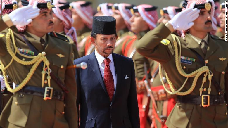 Pena de muerte por lapidación para homosexuales e infieles en Brunei