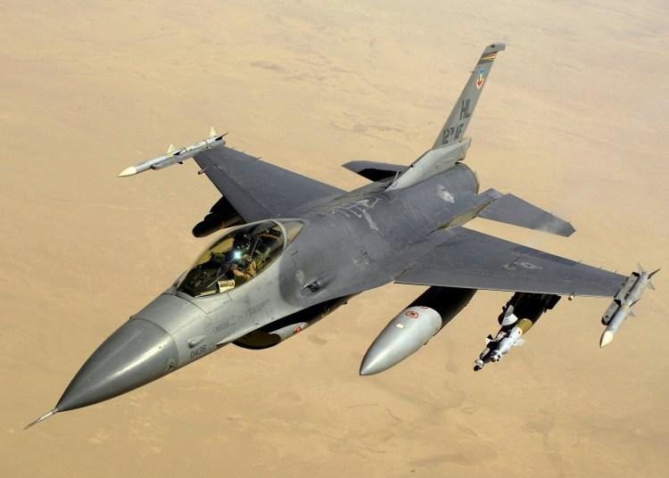 Accidentes - Accidentes de Aeronaves (Militares). Noticias,comentarios,fotos,videos.  - Página 24 F-16