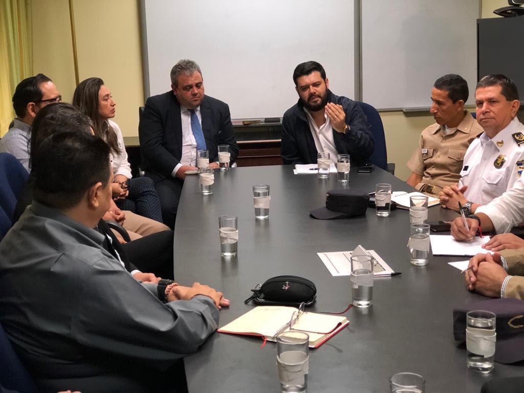 Exigen cortar señal telefónica en cárceles de El Salvador
