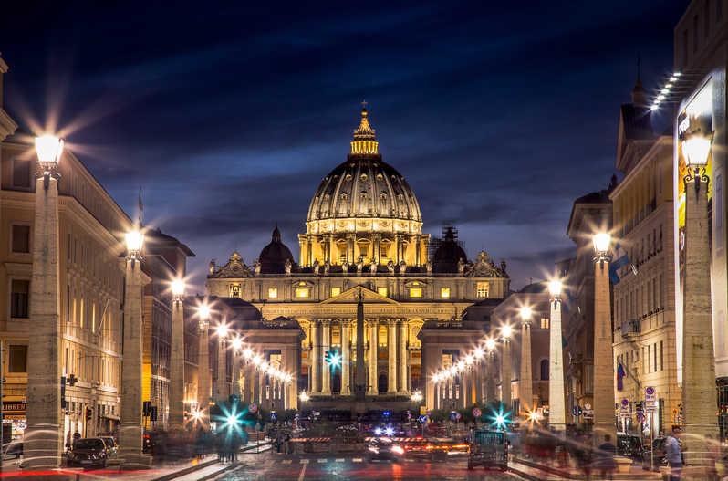 El Vaticano juzgará a dos sacerdotes italianos por abusos en un seminario