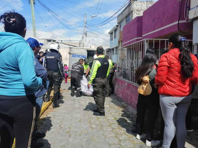 Pareja muere tras caer desde una terraza — Ecuador