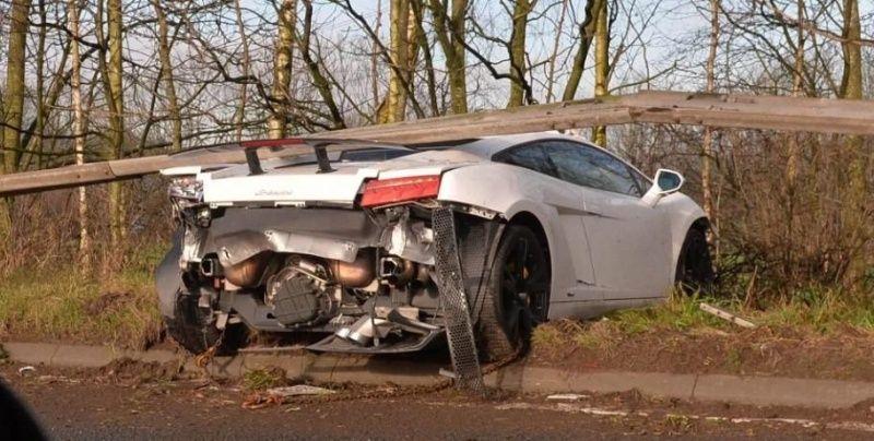 Portero del Manchester United, vive de milagro tras aparatoso accidente