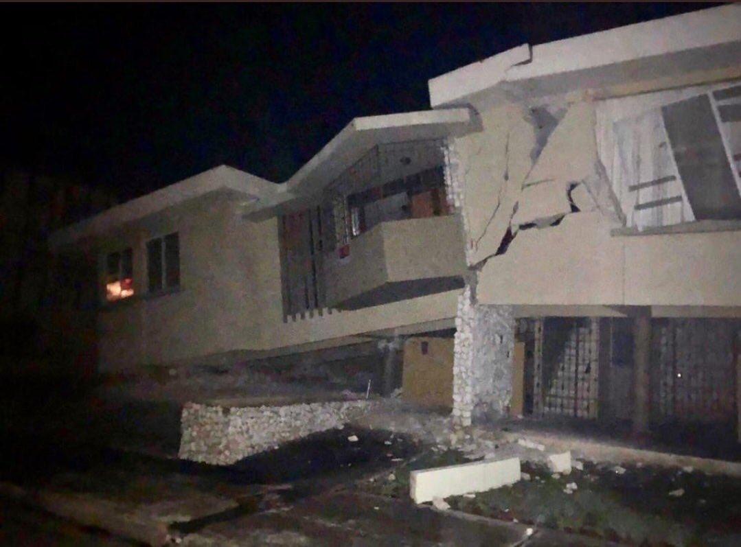 Terremotos de 6.4 sacuden Puerto Rico; hay un muerto y daños