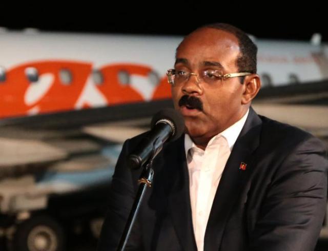 Gaston Browne, declara al arribar a La Habana para asistir al funeral de Fidel Castro / Granma