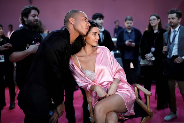 Model Kendall Jenner gets ready backstage before the Victoria's Secret Fashion Show at the Grand Palais in Paris, France, November 30, 2016.   REUTERS/Benoit TessierFOR EDITORIAL USE ONLY. NOT FOR SALE FOR MARKETING OR ADVERTISING CAMPAIGNS