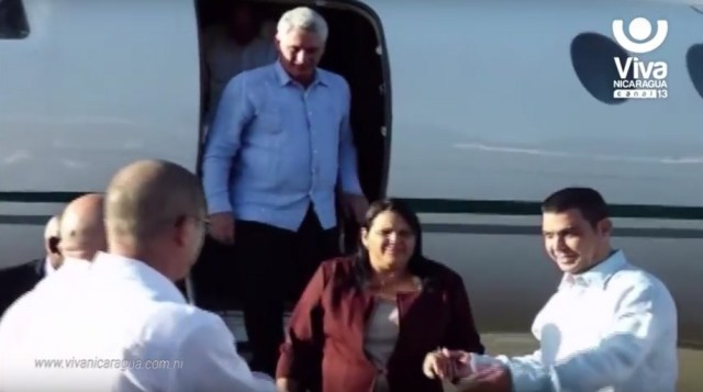 El costo del vuelo de un Falcon 50 entre La Habana y Managua ida y vuelta es de 18.000 dólares