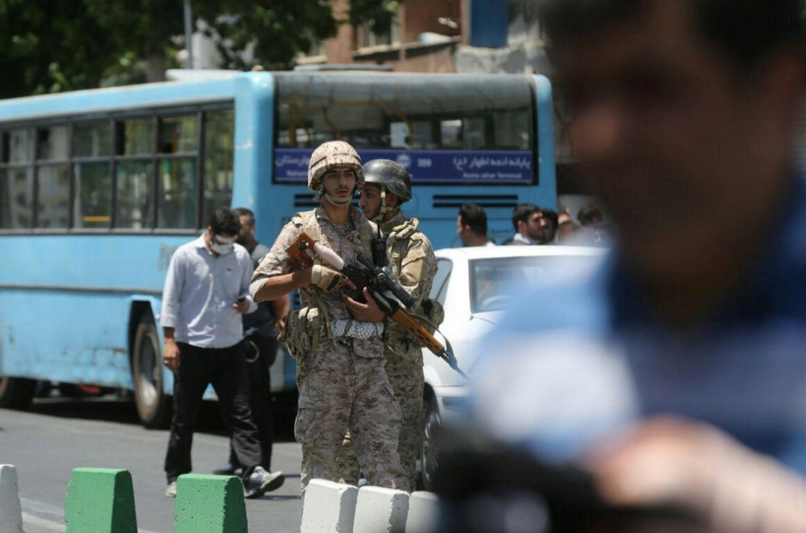 Members of Iranian forces stand guard during an attack on the Iranian parliament in central Tehran, Iran, June 7, 2017. Omid Vahabzadeh/TIMA via REUTERS ATTENTION EDITORS - THIS IMAGE WAS PROVIDED BY A THIRD PARTY. FOR EDITORIAL USE ONLY.
