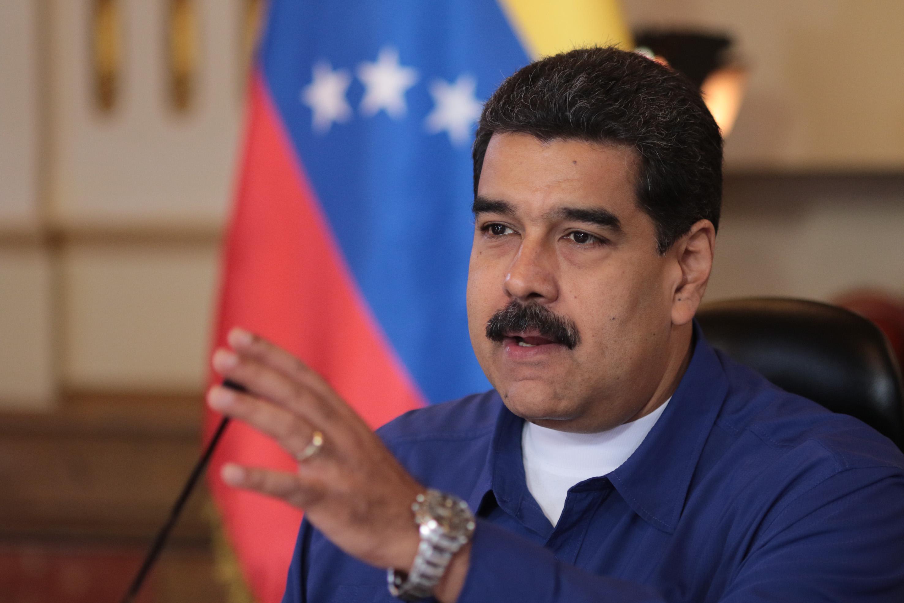 """Maduro arremete contra cardenales al insinuar que """"sirven al capital y perversiones del mundo"""" (Video)"""