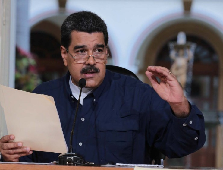 Venezuela's President Nicolas Maduro speaks during a meeting at Miraflores Palace in Caracas, Venezuela August 25, 2017. Miraflores Palace/Handout via REUTERS ATTENTION EDITORS - THIS PICTURE WAS PROVIDED BY A THIRD PARTY.