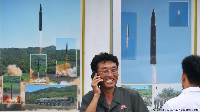Imágenes de lanzamientos de misiles nucleares en una estación de Pyongyang.