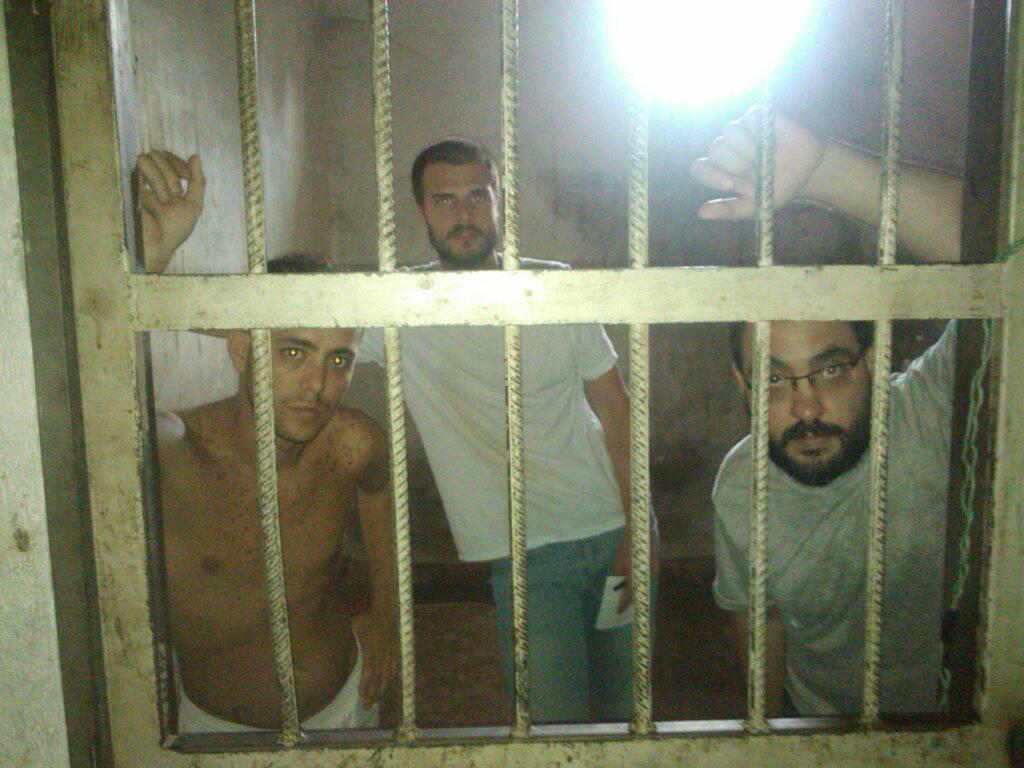 El suizo Filippo Rossi, el italiano Roberto Di Matteo y el venezolano Jesús Medina encerrados en Tocorón Foto cortesía / LaPatilla.com