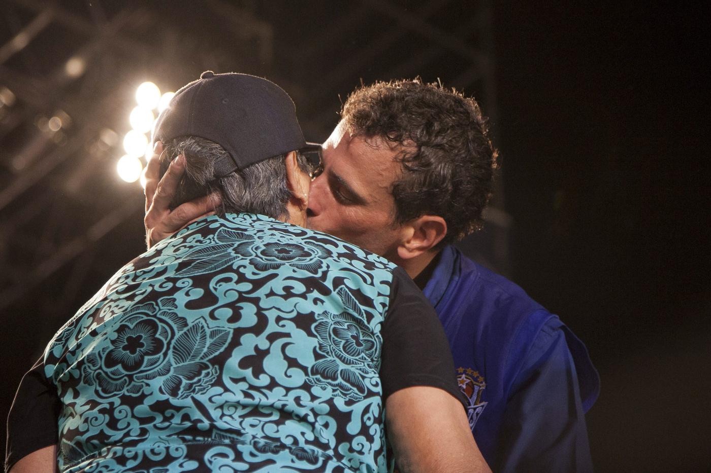 Así besa Capriles (Foto)