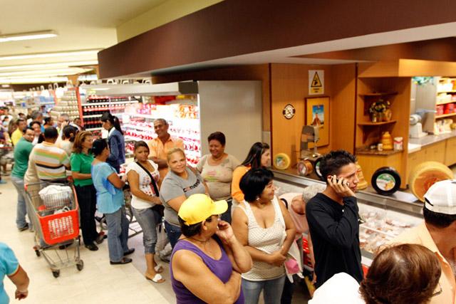 colas-en-supermercados
