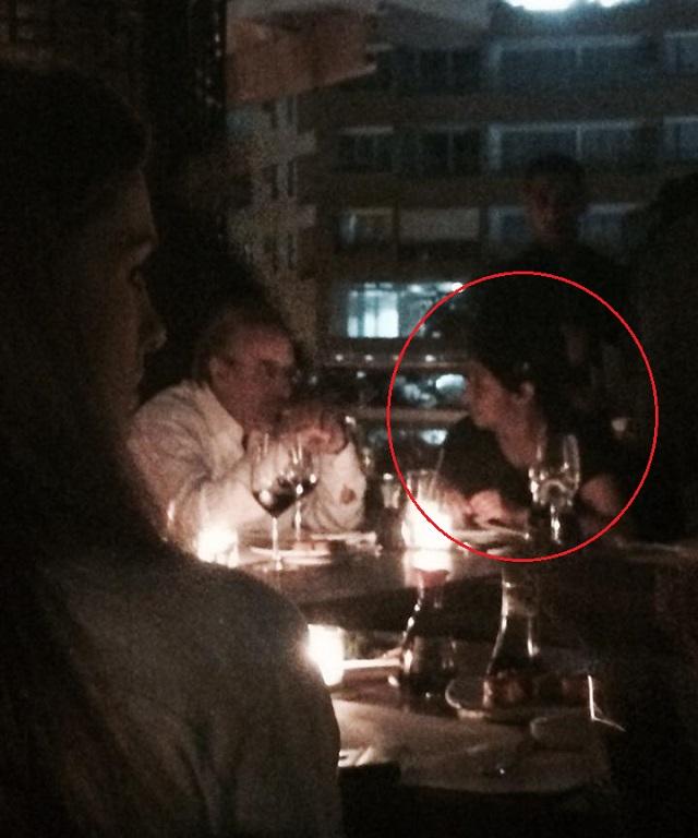 La ministra Delcy Rodíguez en la cena tailandesa, en un extremo de la mesa. Foto MG 08 de marzo de 2014 8:30 pm