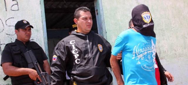 Uno de los cómplices del muchacho está detenido en la Policía científica de Ciudad Ojeda. (Fotos: Archivo)
