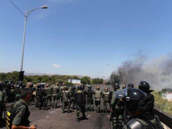 Efectivos de la Guardia Nacional custodió el lado venezolano del Puente Internacional para evitar que los manifestantes lo bloquearan. (Foto/José Gregorio Hernández)