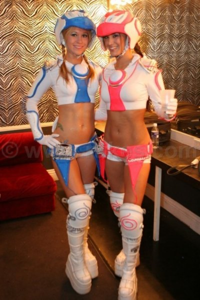 sexy-girls-halloween-costumes-41