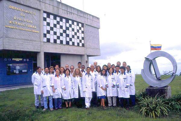 Trabajadores del Departamento de Biología Estructural del IVIC / Foto IVIC