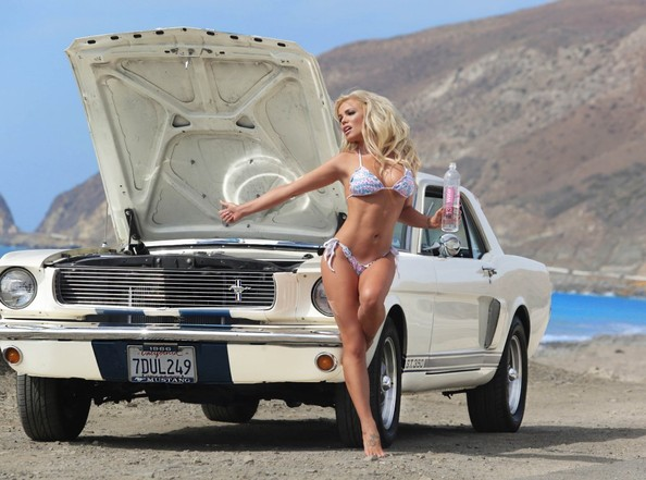 colleen-shannon-shows-her-bikini-body-next-to-a-1966-ford-mustang (10)
