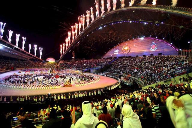 Imagen de archivo datada el 1 de diciembre del 2006 de la ceremonia de inauguración de los Juegos Asiáticos en el estadio Khalifa International de Doha, Catar. La ciudad de Doha, que en 2022 organizará el Mundial de fútbol, será también la sede de los campeonatos del mundo de atletismo en 2019 por decisión del Consejo Directivo de la Federación Internacional (IAAF), reunido hoy en Montecarlo. EFE/Stringer