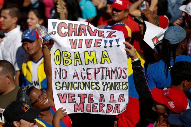 Chavistas marcharon contra EEUU dos días antes de restablecimiento de relaciones entre Cuba y Estados Unidos (Foto Reuters)