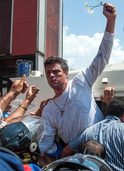 Arresto Leopoldo Lopez