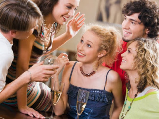 relaciones-consejos-integrar-personas-diferentes-grupoas-460x345-la