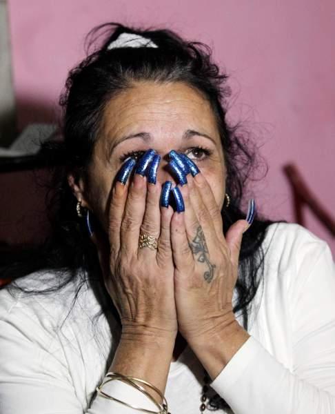 """Foto: Haydee Gallardo reacciona mientras está sentado en su casa de La Habana, 8 de enero de 2015. Gallardo, que es miembro de las """"Damas de Blanco"""", grupo disidente, y su esposo Ángel Figueredo (no en la foto) se encuentran entre los ocho detenidos que fueron liberados hoy , los disidentes dijeron el jueves. El compromiso de La Habana a gratis 53 reclusos, los Estados Unidos consideran presos políticos, fue una parte importante de un histórico Indicar acuerdo el mes pasado bajo los qui dos gouvernements acordó renovar las relaciones diplomáticas Después de más de 50 años. Gallardo y su esposo fueron detenidos este pasado año después de gritar consignas contra el gobierno en un mitin. Reuters"""
