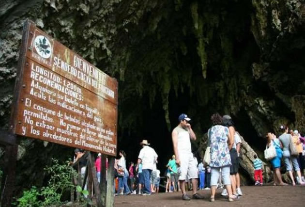 Cueva-del-Guácharo-está-abierta-para-los-temporaditas