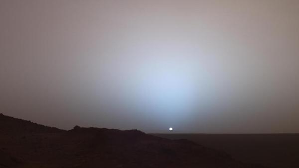 Foto:  Atardeces desde Marte  / @moorejh