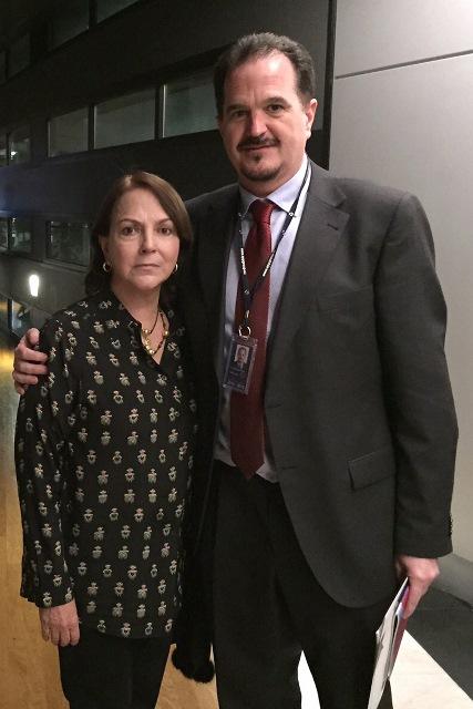 Mitzy de Ledezma junto al Parlametario Carlos Iturgaiz