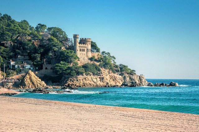 los_castillos_mas_bonitos_de_espana_615194830_650x