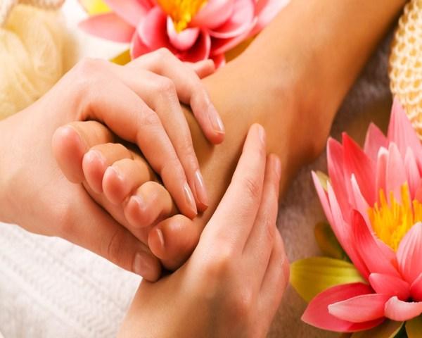 masajes_de_pies_flor_de_manos