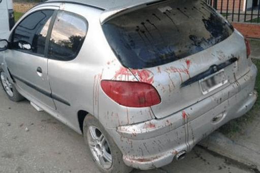 Foto: Así quedó el auto en el que huyeron los delincuentes / lanacion.com.ar