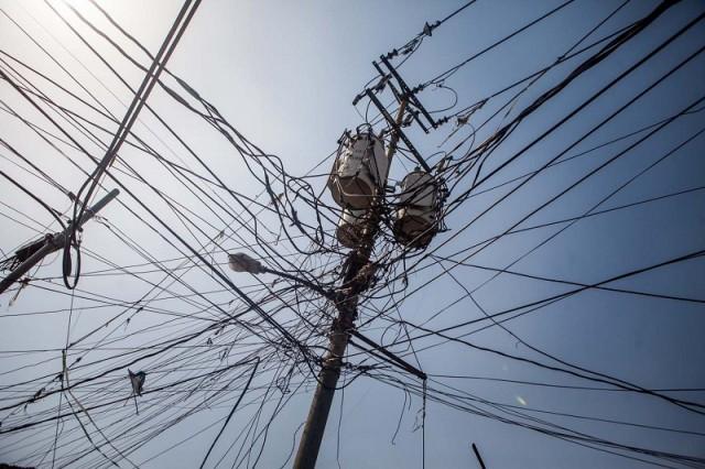 Torre de electricidad en los Magallanes de Catia en Caracas el 30 de abril de 2015 / Foto EFE