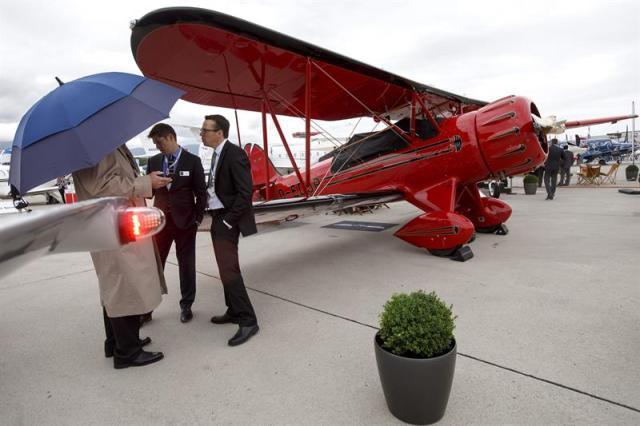 Vista de un avión modelo WACO durante la Convención europea de aviación de negocios (EBACE) 2015 de Ginebra, Suiza hoy 19 de mayo de 2015. EFE/Salvatore Di Nolfi