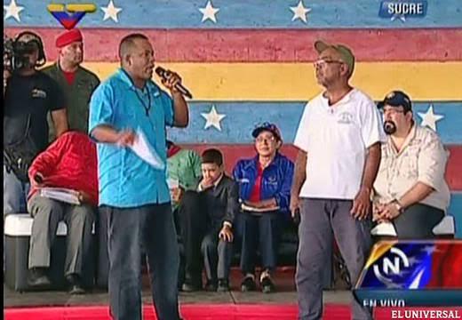 Foto: Momento en que Yonny Guerra realiza la denuncia ante el Presidente Nicolás Maduro el pasado 23 de abril, durante un encuentro del presidente con la juventud en Cumaná, en el estado Sucre.