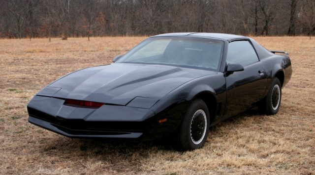 1215336 - David Hasselhoff subasta su coche fantástico y su precio podría superar el millón de dólares