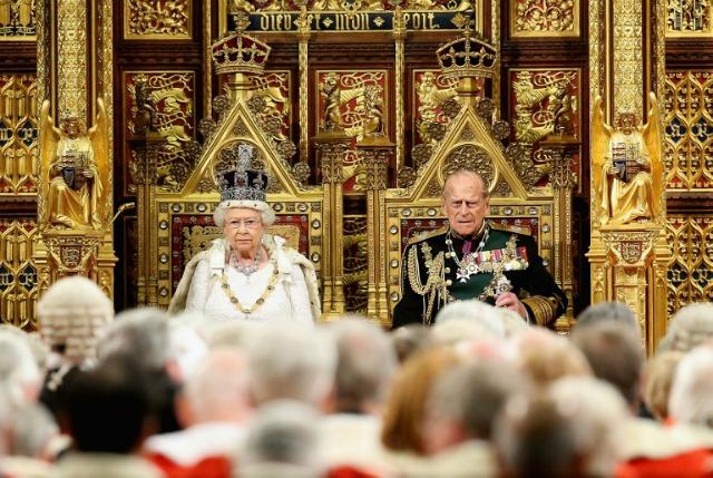 La reina Isabel II y el príncipe Felipe Duque de Edimburgo - La reina Isabel II y Felipe celebran 73 años de casados