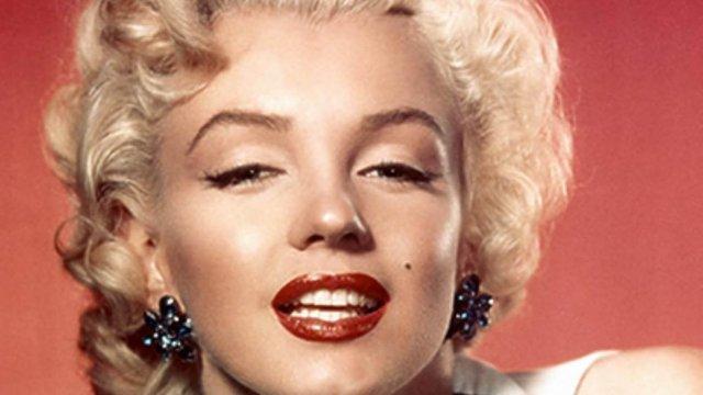 Marilyn Monroe - La primera sesión de fotos nunca antes vista de Marilyn Monroe desnuda (Sensacional)