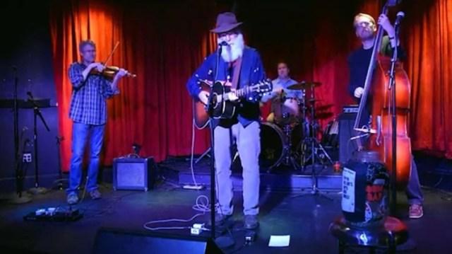 david2 - David Olney, músico de amplia trayectoria, falleció sobre un escenario de Florida - #Noticias
