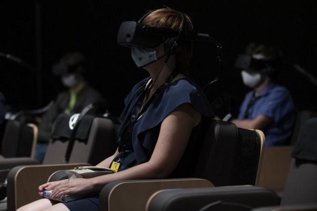 000 8PZ2LX - Con realidad virtual, Dudamel convierte al público en miembro de su orquesta (Fotos)