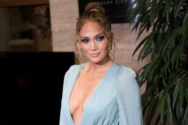 """jennifer - """"La belleza no tiene fecha de caducidad"""": Jennifer Lopez aseguró que jamás ha usado botox"""