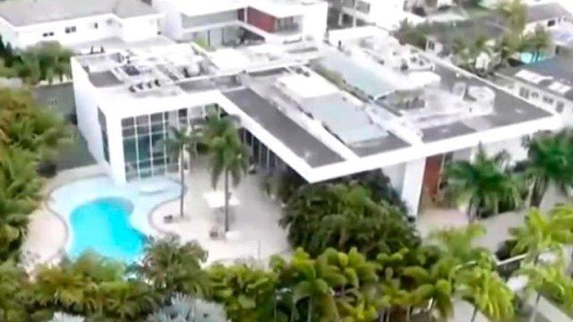 Casa de Xuxa 2 - Playa, estudio de fotografía y una selva en medio de la sala (FOTOS)