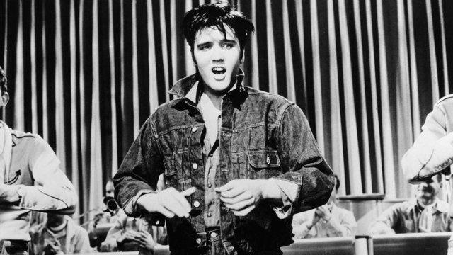 UG6M2K7DWZHATGDOAVDTD63INE - Elvis Presley, a 65 años de Heartbreak Hotel: El movimiento de la pelvis y el sexo entrando por TV en todas las casas