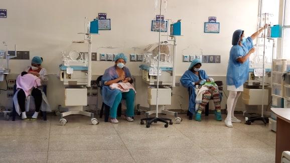 159378923 138947578128083 3892432813580414891 n - Con donaciones especiales: Viktor Rom y Marco Lux sorprendieron a madres venezolanas